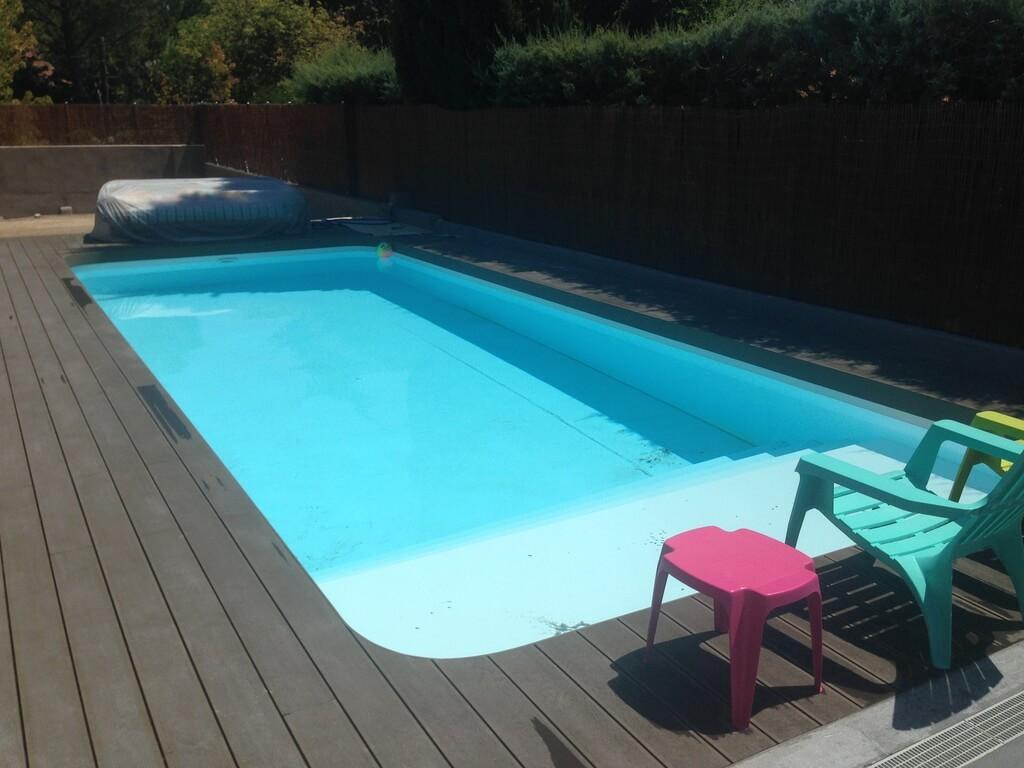 Piscinas prefabricadas de poliester y fibra presupuestos for Fotos de piscinas